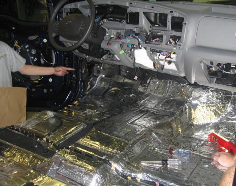 HushMat Volkswagen EuroVan 1993-2003   Floor Deadening and Insulation Kit 682901